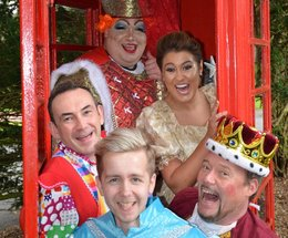 Barrow Panto Stars delight Children's Ward